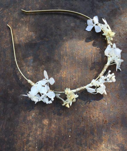 Headband de mariage Candide en fleurs naturelles - Accessoire mariage en fleurs séchées et stabilisées - Les Fleurs Dupont