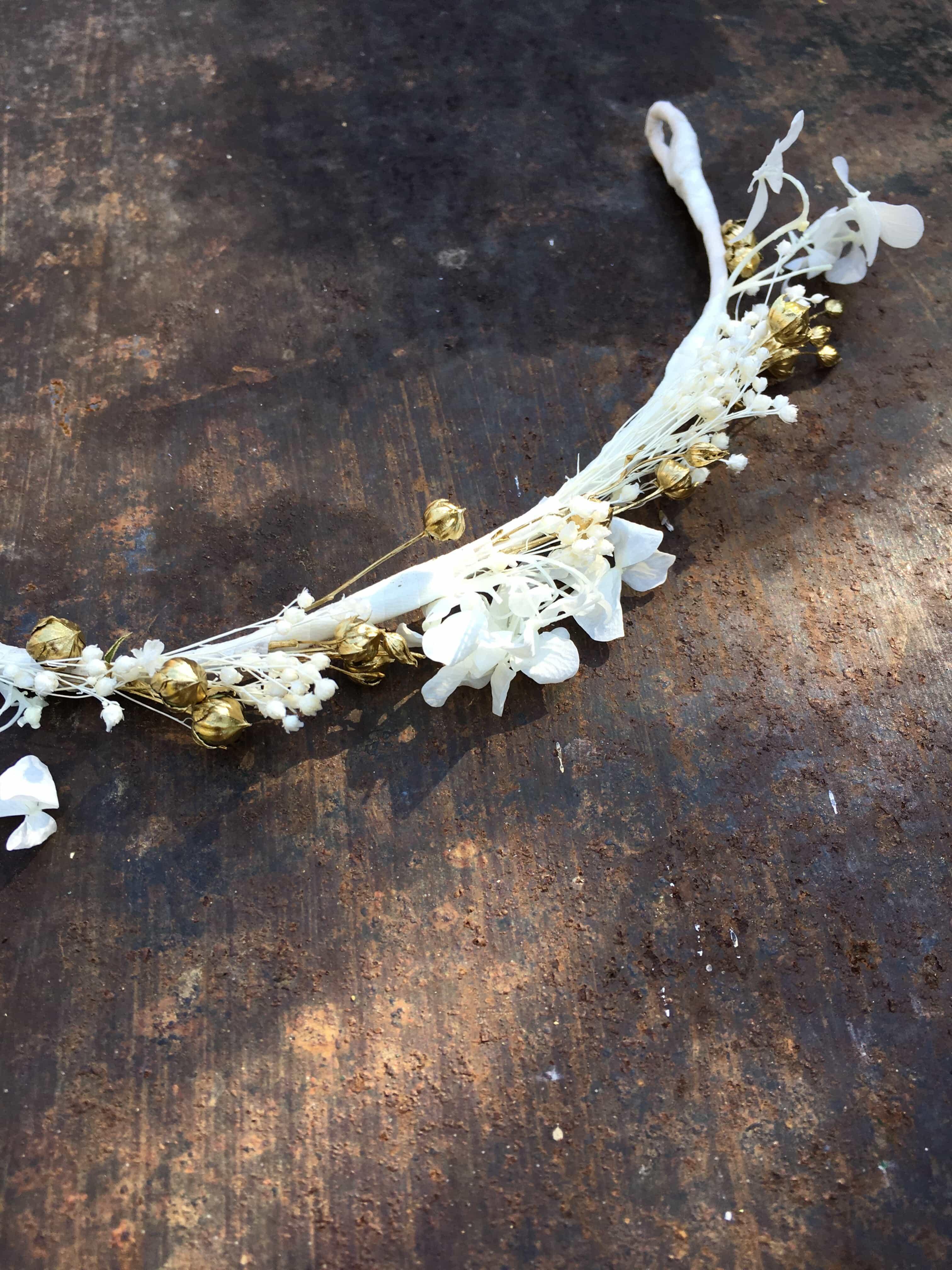Barrette de mariage Aura en fleurs naturelles , accessoire de mariée en  fleurs séchées
