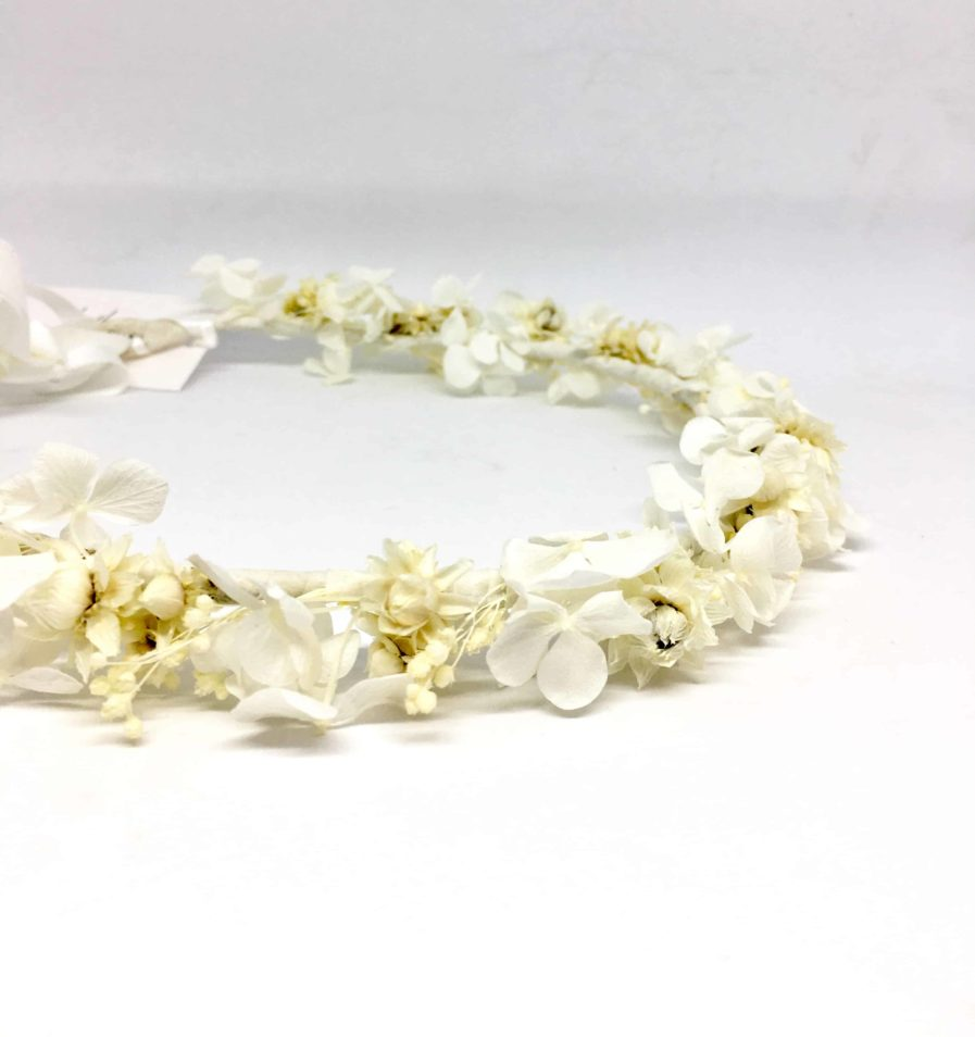 Couronne de mariage Candide en fleurs séchées et stabilisées - Collection immaculée