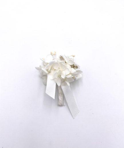 Boutonnière Immortelle en fleurs séchées pour le marié