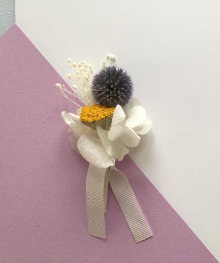 Boutonnière de mariage en fleurs naturelles - Accessoire mariage Violine homme en fleurs séchées et stabilisées - Les Fleurs Dupont