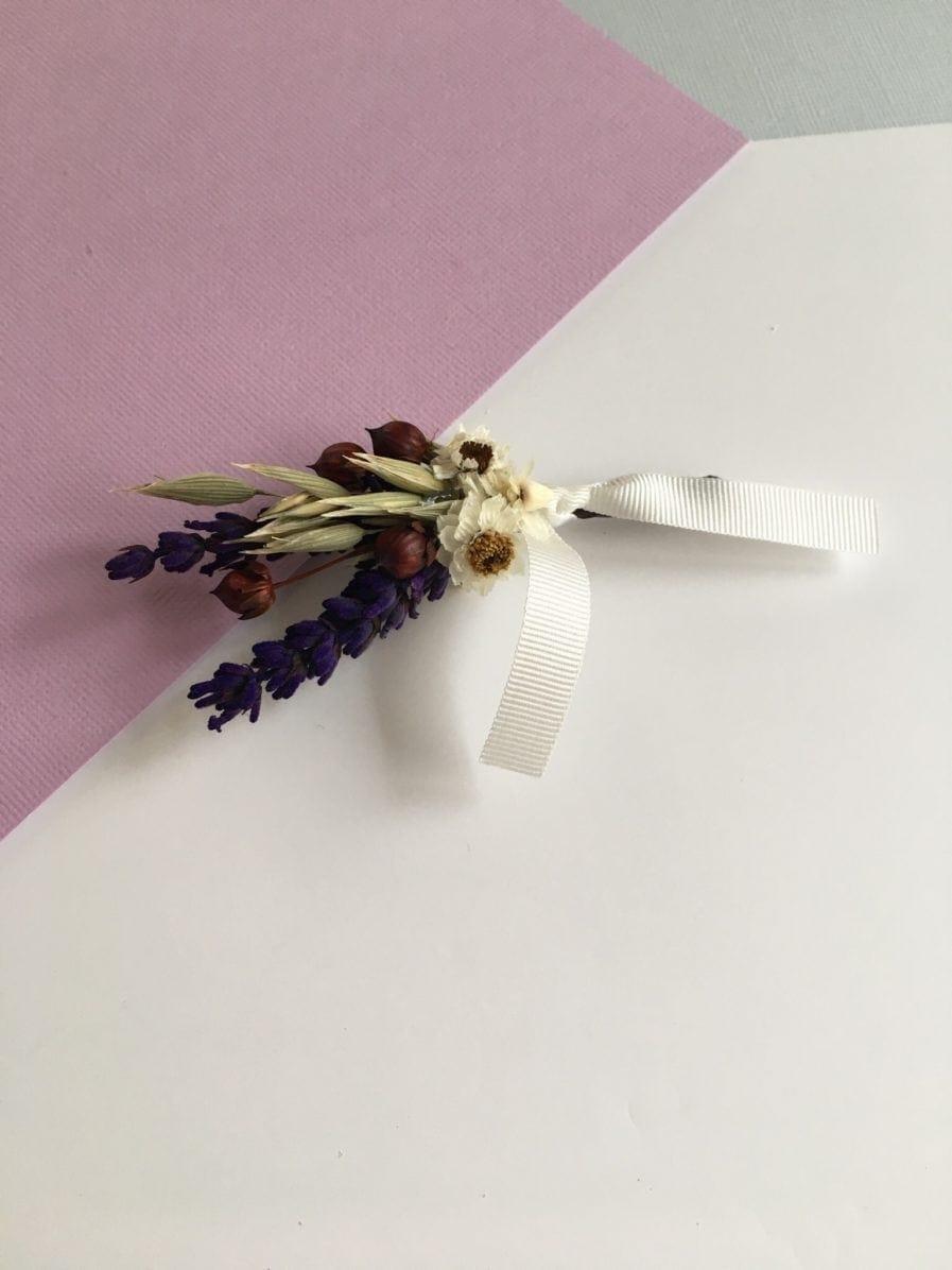 Boutonnière de mariage Cérès au thème champêtre aux fleurs naturelles séchées