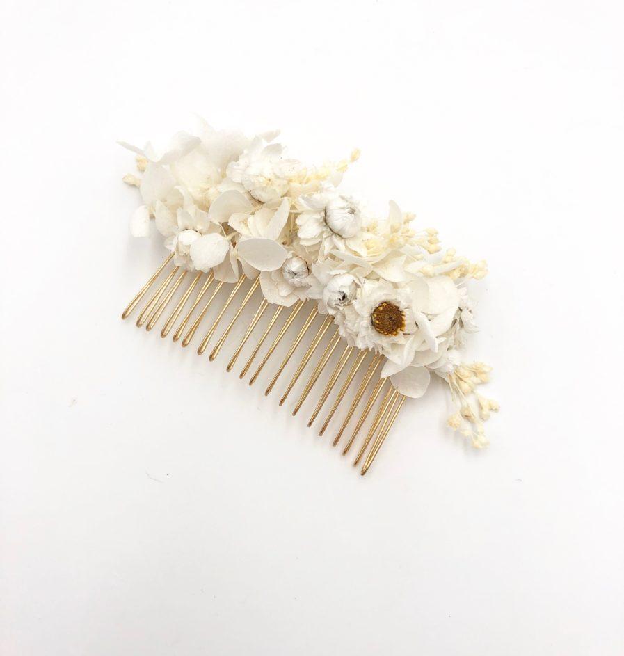 Peigne de fleurs Candide pour la mariée élégante