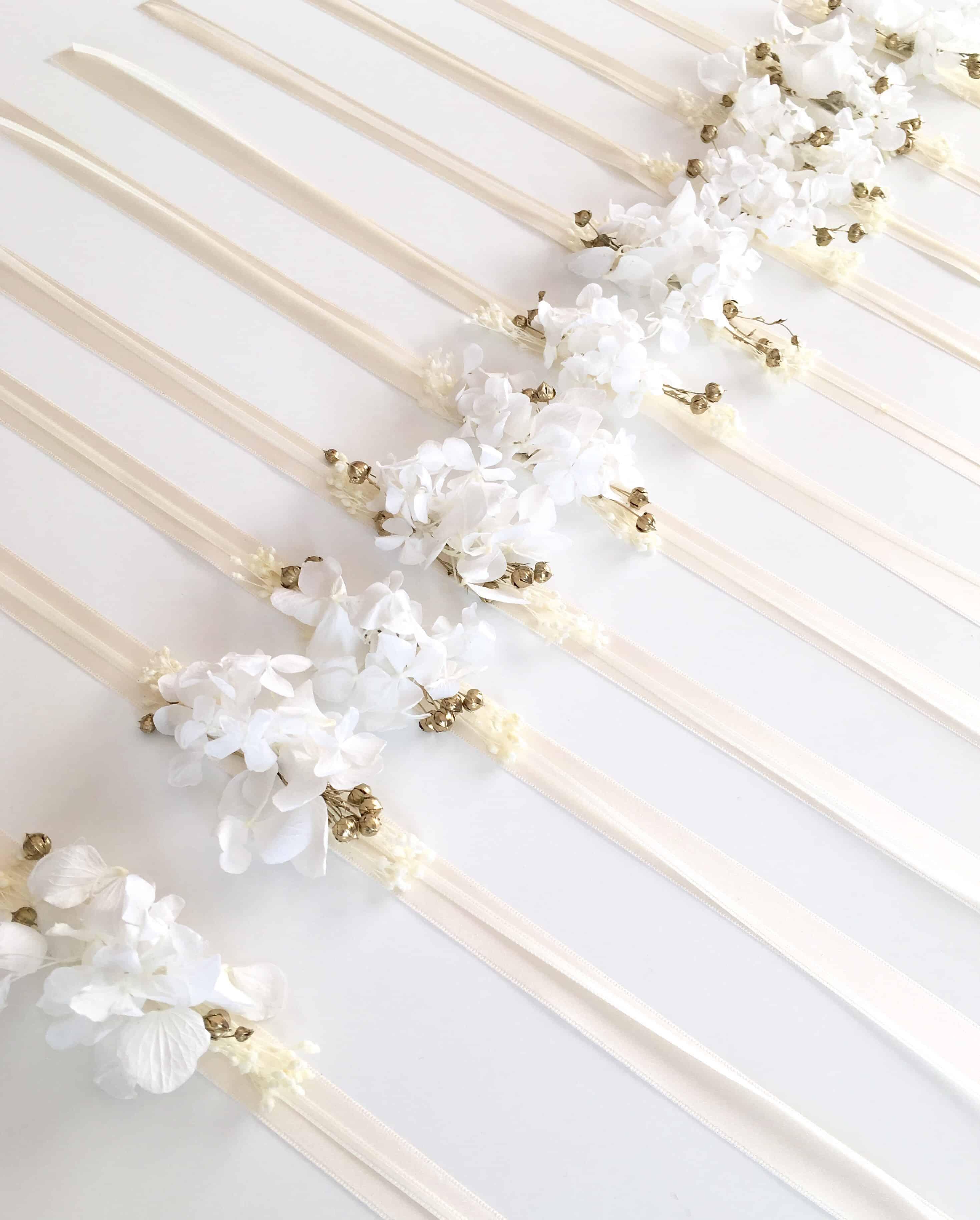 bracelet de demoiselles d 39 honneur aura en fleurs naturelles s ch es et stabilis es accessoires. Black Bedroom Furniture Sets. Home Design Ideas