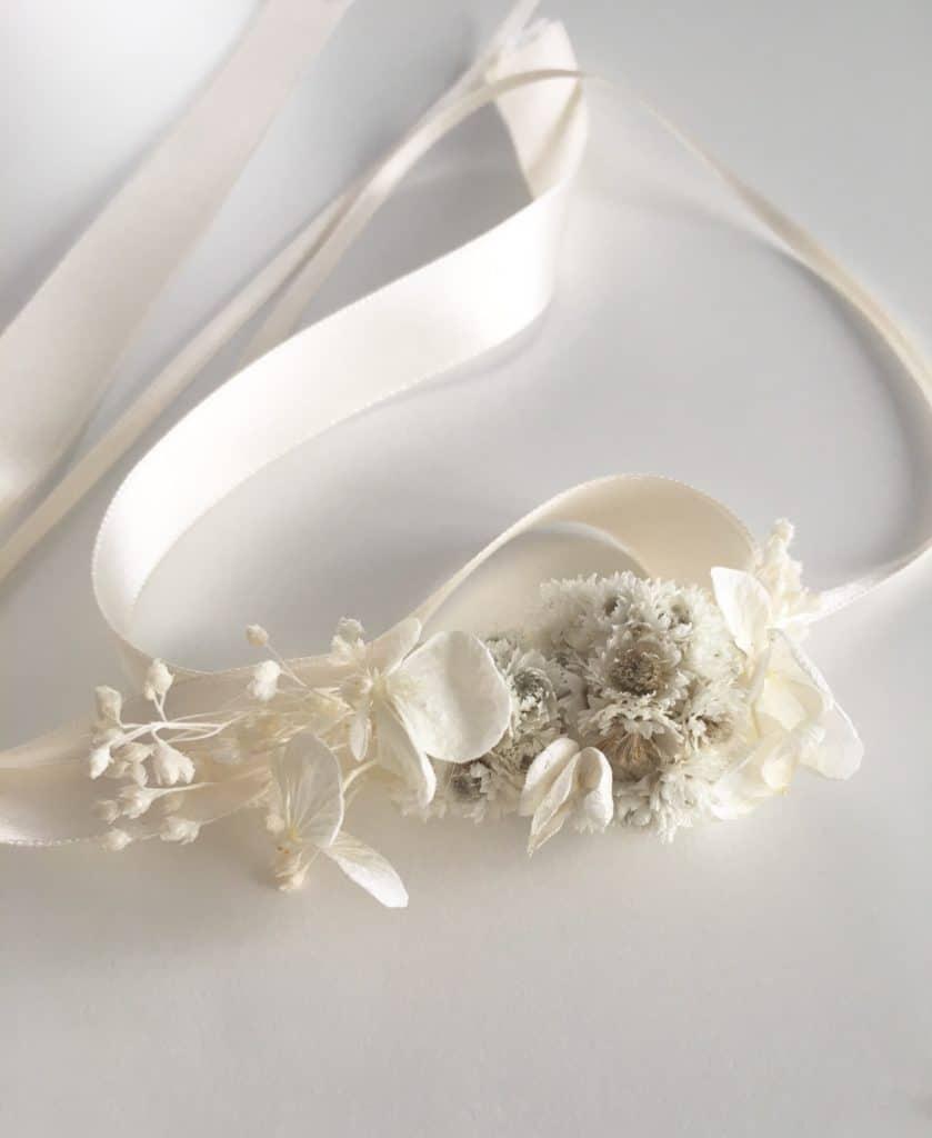 bracelet de demoiselles d 39 honneur immortelle en fleurs naturelles s ch es. Black Bedroom Furniture Sets. Home Design Ideas