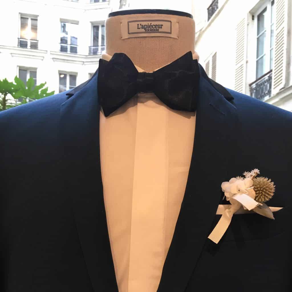 Boutonnière de Mariage Les Fleurs Dupont et costume homme L'APiéceur
