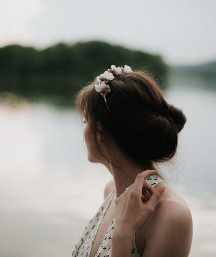 Headband de mariée Lilla en fleurs séchées - Photographe Léa Féry