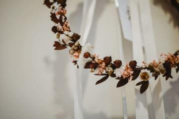 Couronne de fleurs pour le mariage - Photographie Audrey Rutz - Les Fleurs Dupont