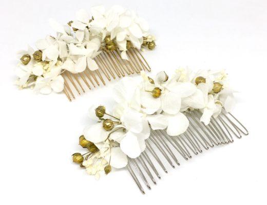 Peigne de mariage Aura en fleurs naturelles - Accessoire doré et blanc pour la mariée