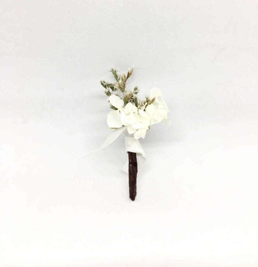 Boutonnière de mariage Aster en fleurs séchées et stabilisées - Chic et sophistiqué