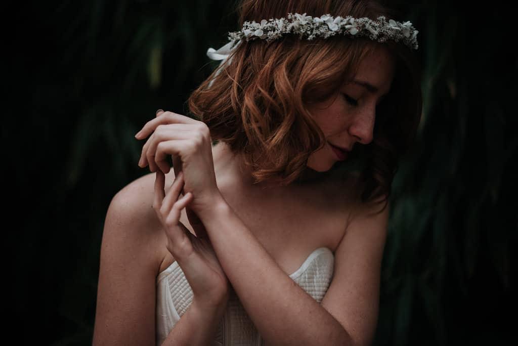 Léa Féry photographe de mariage -Couronne de fleurs de mariée Aster en fleurs séchées et stabilisées - Collection 2018 -