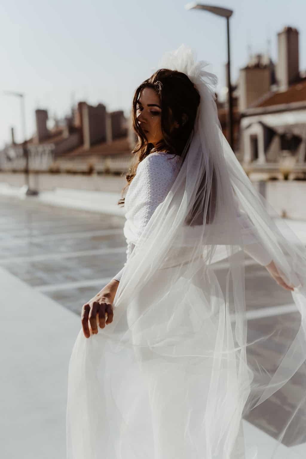 Voiles de mariée fleuri Aretha - Photo Anaïs Nannini - L'amoureuse by Ingrid Fey et les Fleurs Dupont - Collection 2018
