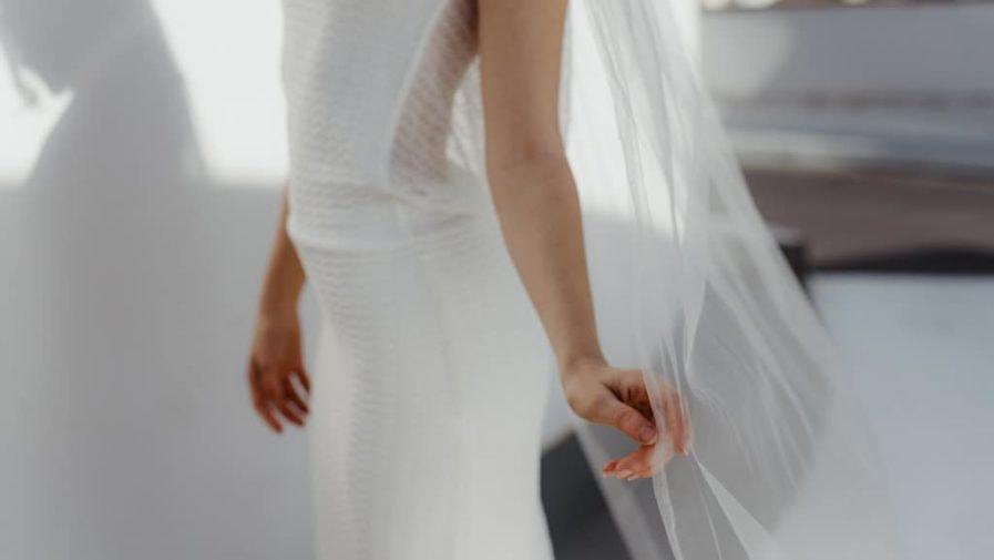 Voile de mariée fleuri Sarah - Photo Anaïs Nannini - L'amoureuse by Ingrid Fey et les Fleurs Dupont - Voiles de mariée en fleurs
