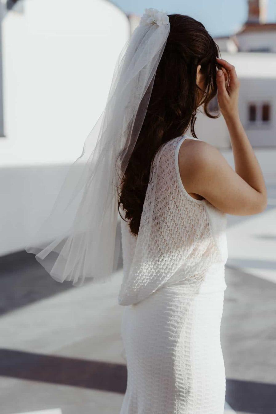 Voile de mariée fleuri Nina - roses blanches et hortensia. Les Fleurs Dupont L'Amoureuse by Ingrid Fey