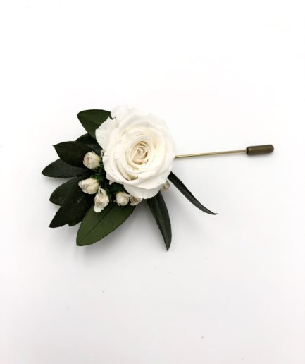 Boutonnière de marié Elaia en fleurs stabilisées