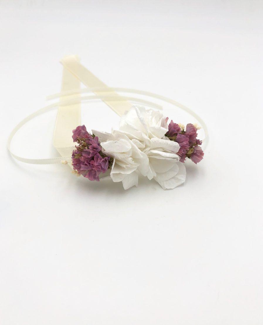Bracelet de demoiselles d'honneur Lilla en fleurs séchées et stabilisées