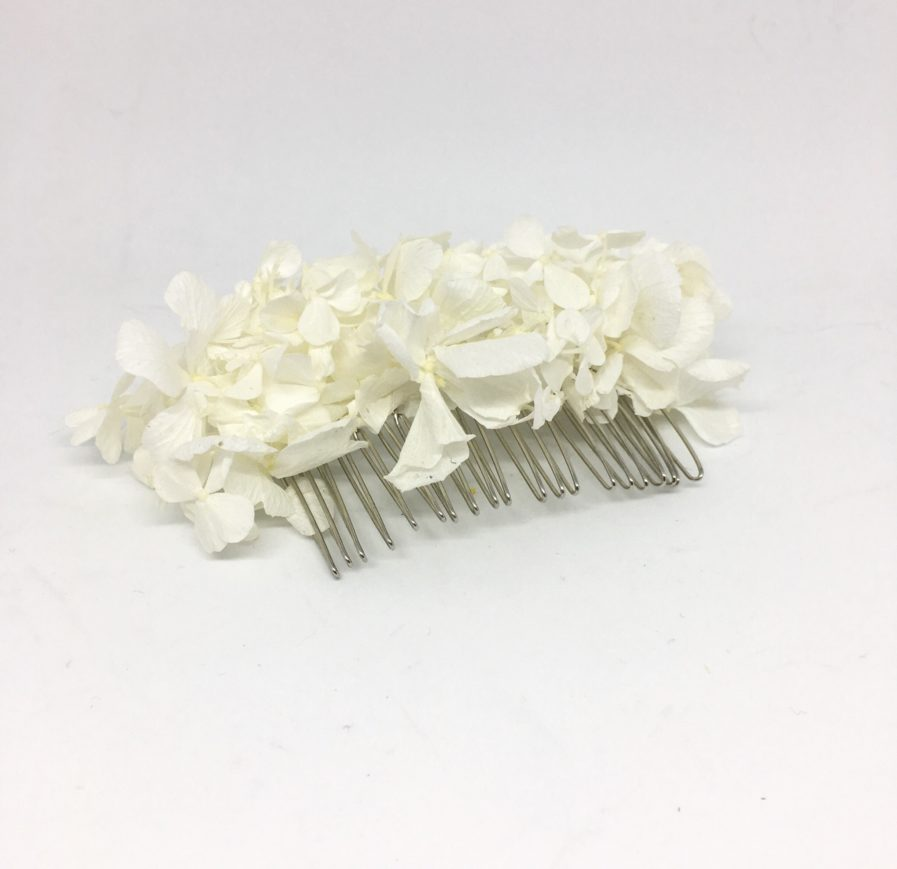 Peigne de mariée Nive en hortensia blanc stabilisé