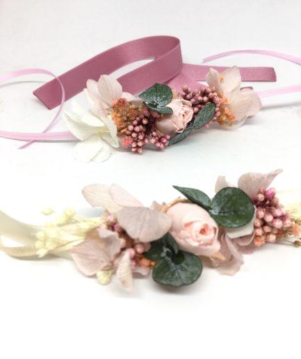 Bracelet de demoiselles d'honneur Confetti en fleurs stabilisées - tons roses