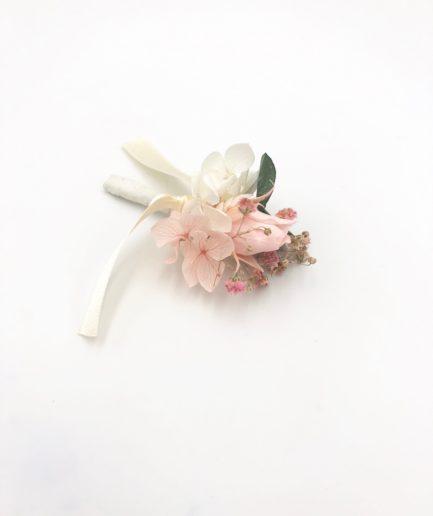 Boutonnière de mariage Confetti en fleurs stabilisées