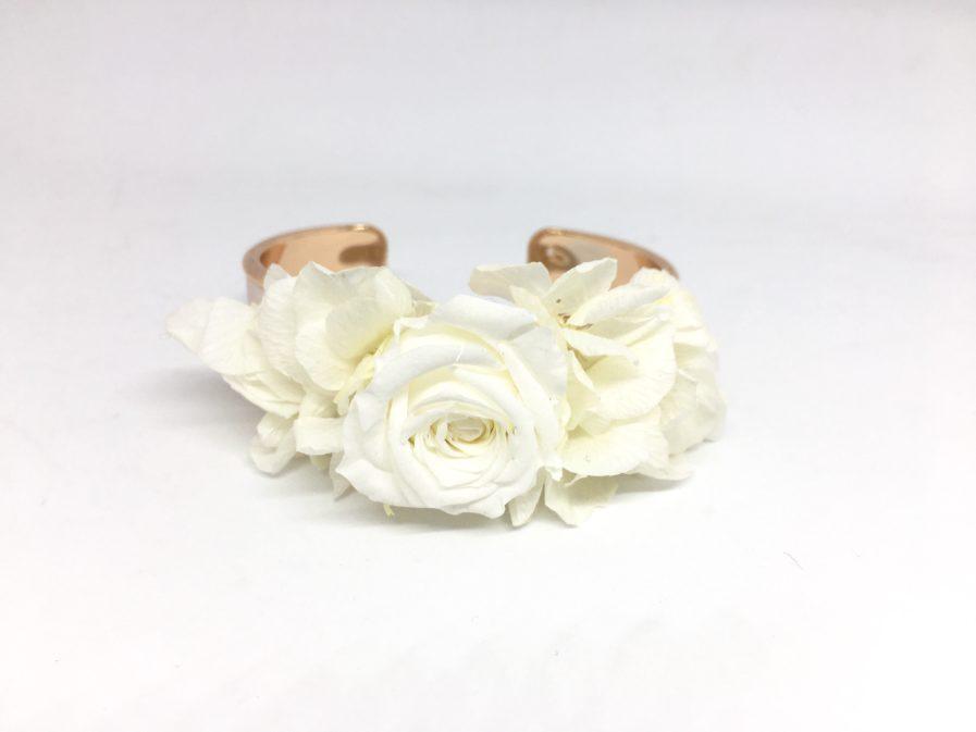 Bracelet jonc fleuri Béatrice en fleurs naturelles - Les Fleurs Dupont
