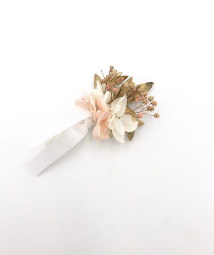 Boutonnière en fleurs stabilisées Candi doré aux tons roses