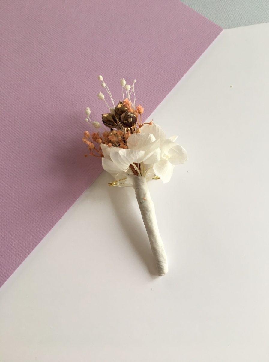 Boutonnière en fleurs Candi dorée - Pour le marié et ses témoins - Les Fleurs Dupont