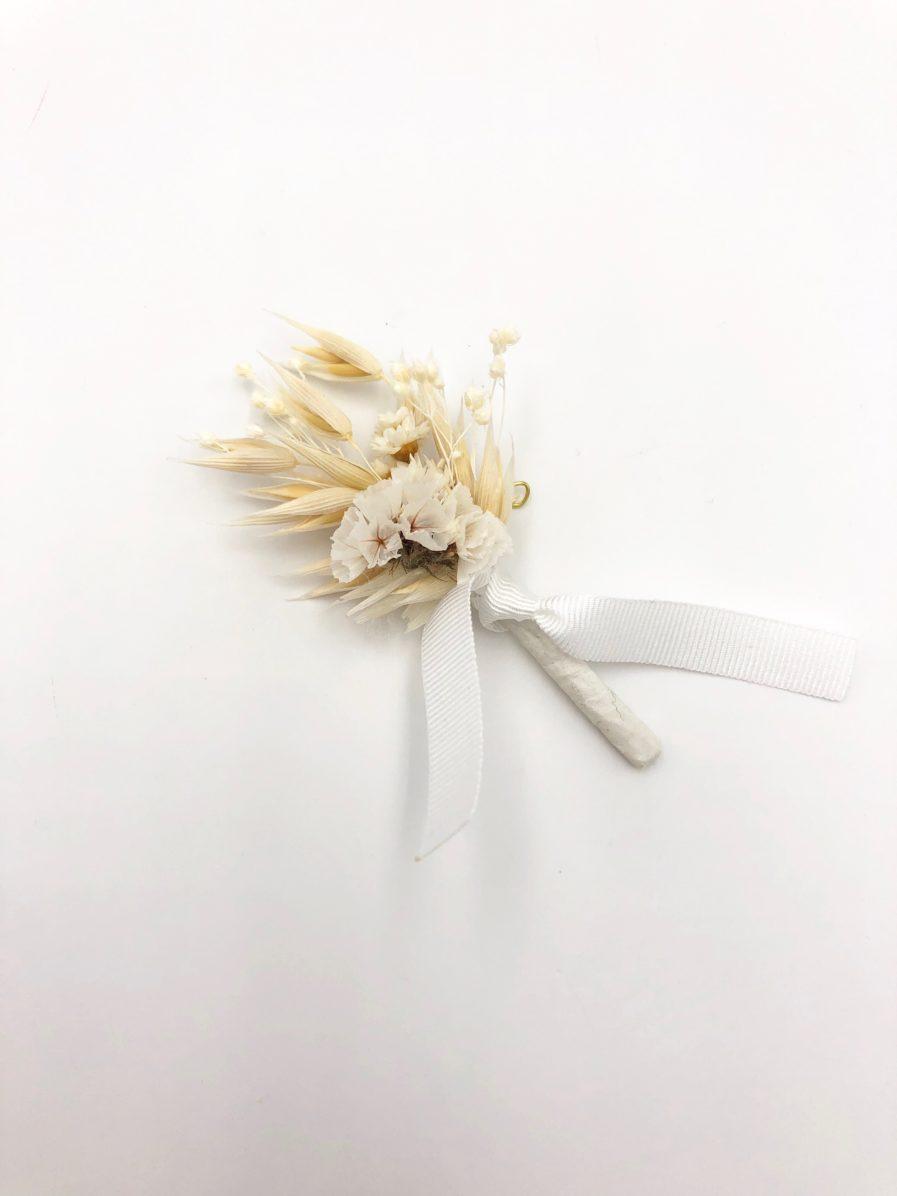 Boutonnière en fleurs séchées Auguste collection Folk