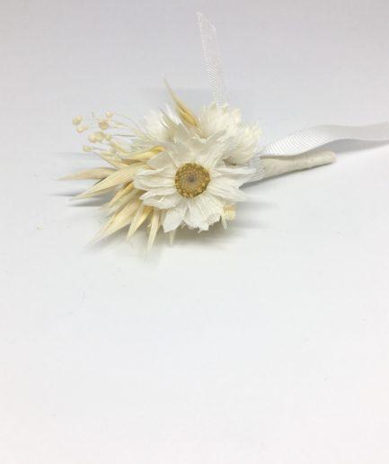 Boutonnière en fleurs séchées Auguste - accessoire pour le marié