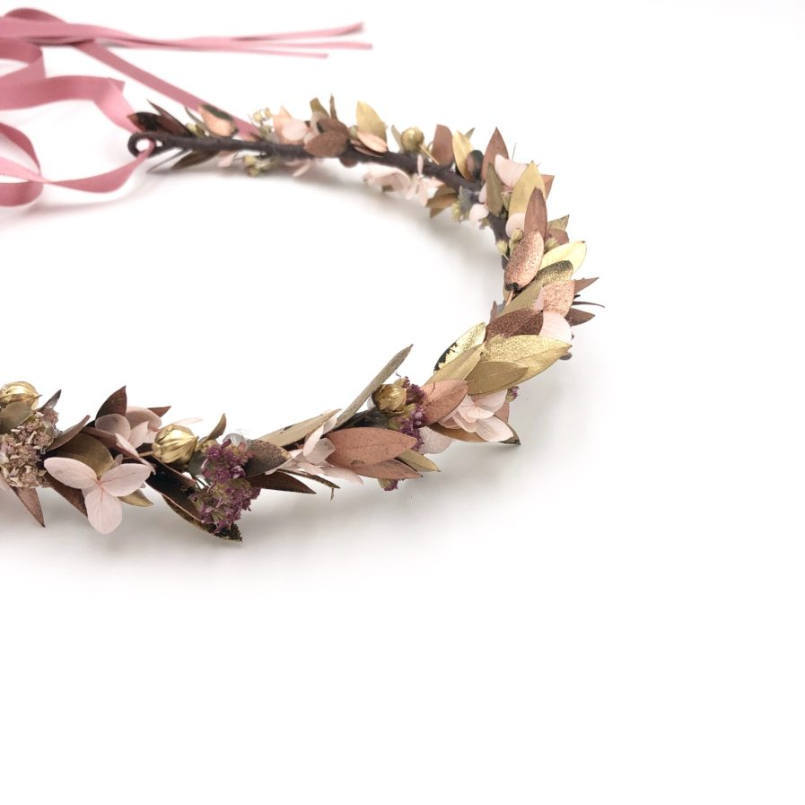 Couronne de mariage Phyra en fleurs stabilisées et séchées