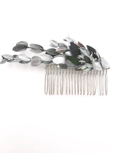 Peigne de mariage Turquin en fleurs stabilisées argentées