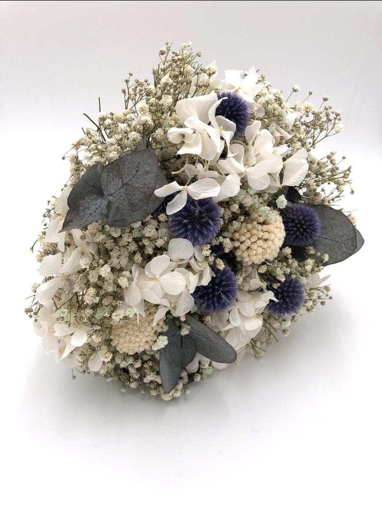 Bouquet de la mariée en fleurs séchées Céleste - Eucalyptus et echinops