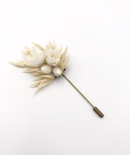 Boutonnière en fleurs Auguste - Les Fleurs Dupont - Mariage Folk et Champêtre