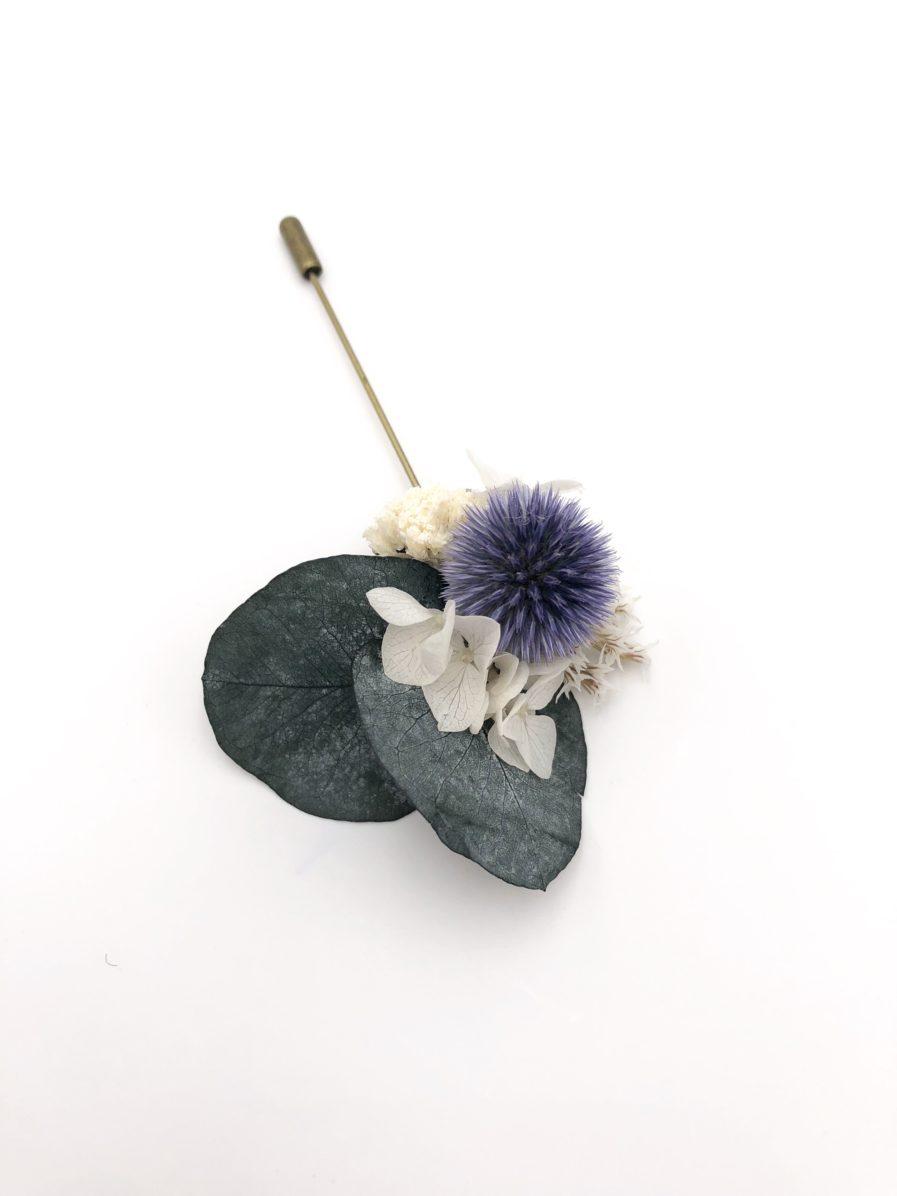Boutonnière en fleurs Céleste - Boutonnière de mariage élégante en fleurs séchées et stabilisées