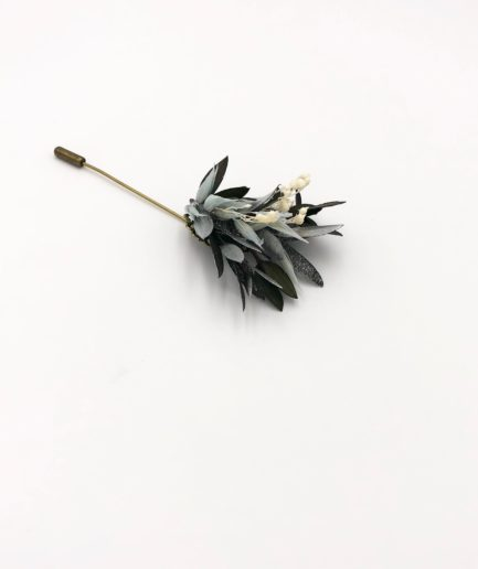 Boutonnière en fleurs Turquin - Tons bleu et argent