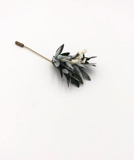 Boutonnière en fleurs Turquin - Tons bleu et argent