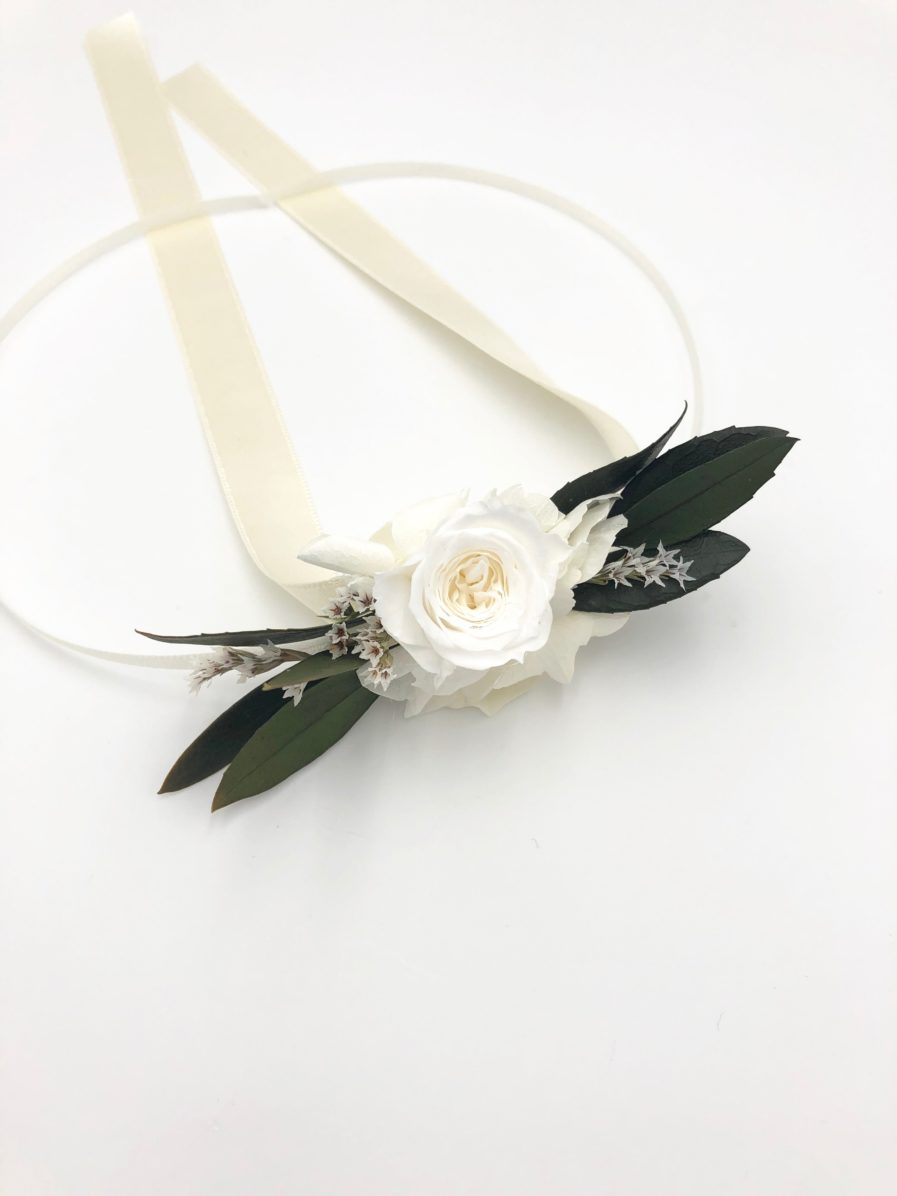 Bracelet de demoiselles d'honneur Elaia en fleurs stabilisées