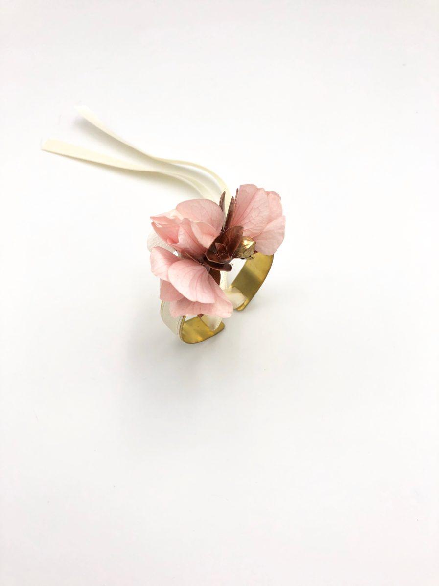 Bracelet jonc en fleurs stabilisées Phyra - Les Fleurs Dupont
