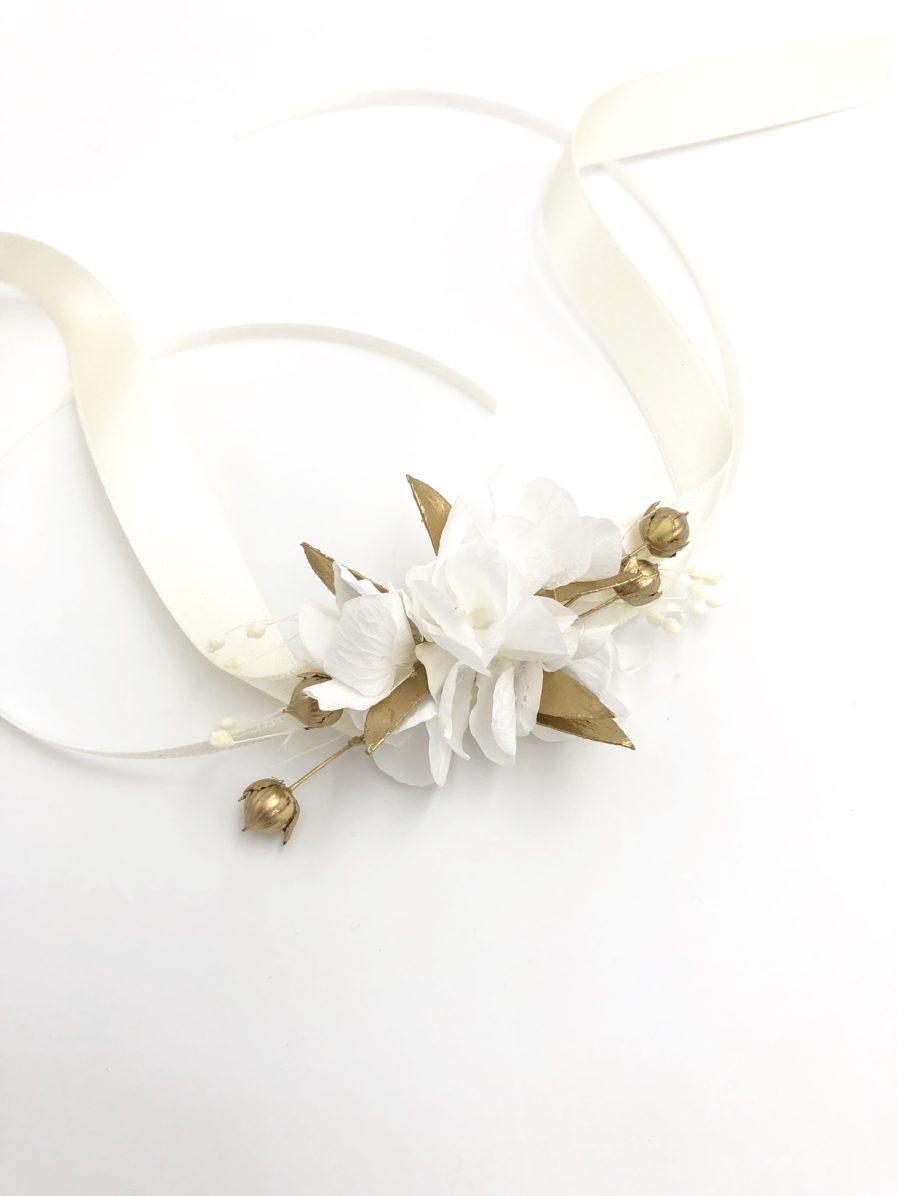 Bracelet de demoiselle d'honneur Ori en fleurs séchées dorées