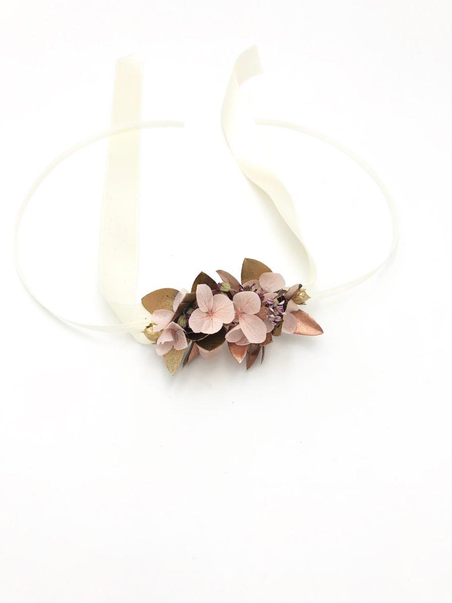 Bracelet de demoiselles d'honneur Phyra en fleurs stabilisées