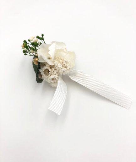 Boutonnière en fleurs Minthé - Eucalyptus et immortelles