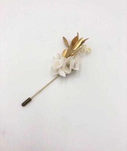 Boutonnière en fleurs dorées Ori - Mariage classique