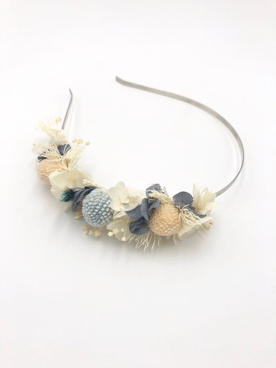 Headband fleuri Horizon - Fleurs stabilisées blanches et bleues