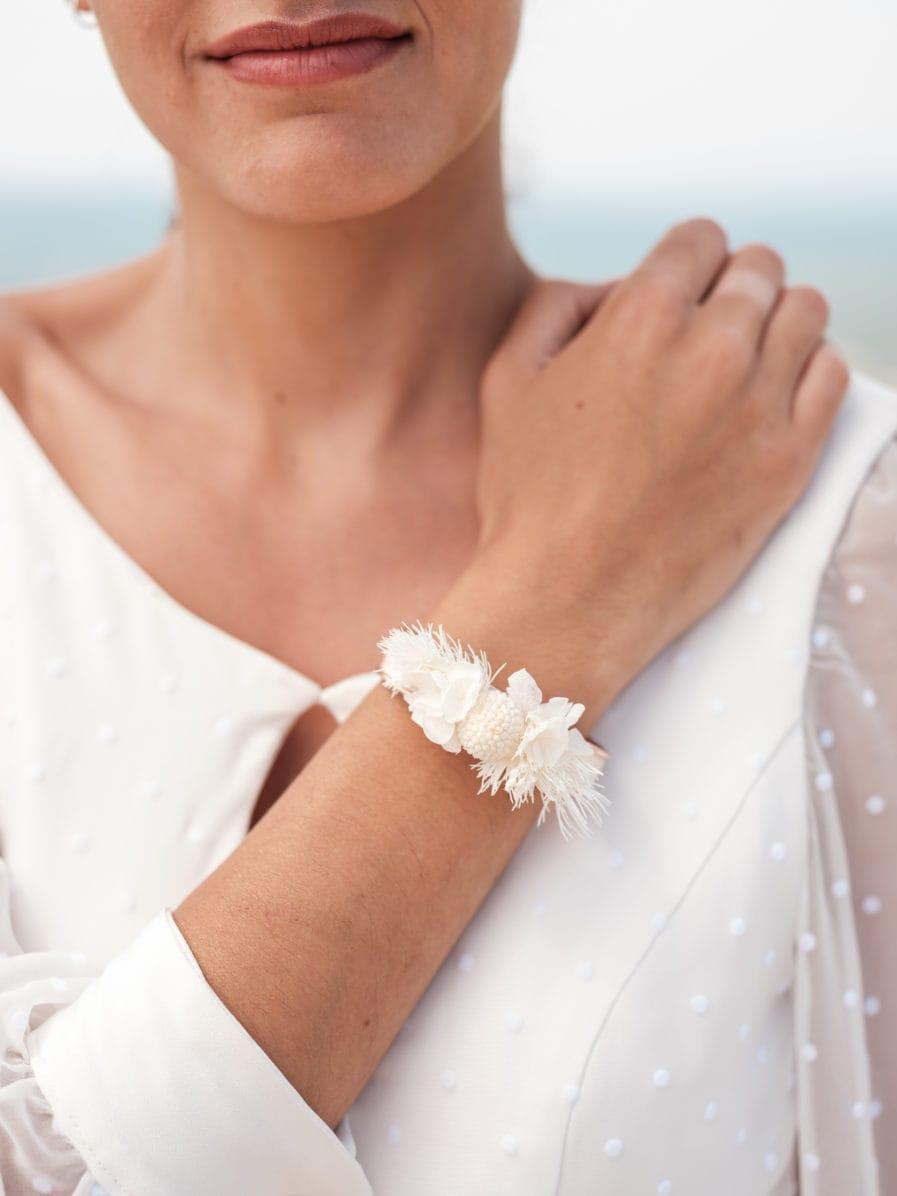 Bracelet jonc fleuri Nimbe - Photo Ilan Dehé - Collection Horizon