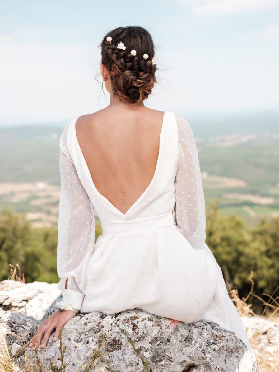 Pic à cheveux en fleurs blanches Nimbe pour la mariée moderne