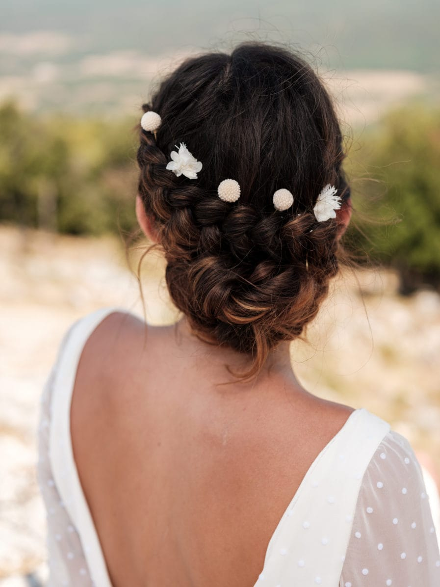 Pics à cheveux pour la mariée Nimbe - Fleurs stabilisées blanches