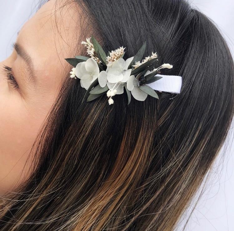 Mini barrette en fleurs Foglia avec eucalyptus