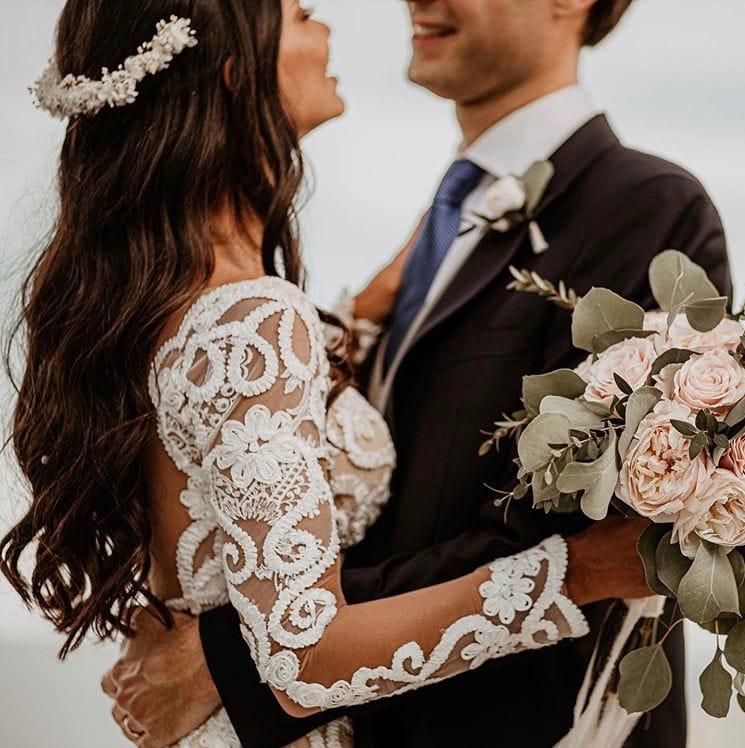 Peigne long Immortelle porté par Hannah Romao à son mariage