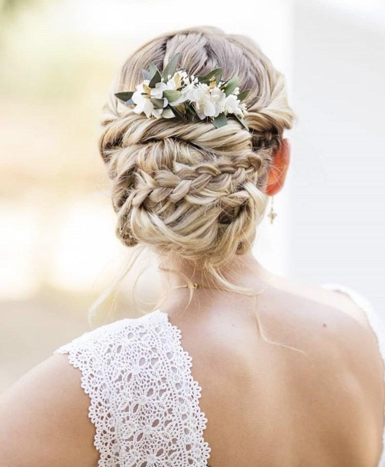 4 Styles De Chignons Pour Mon Mariage Les Fleurs Dupont