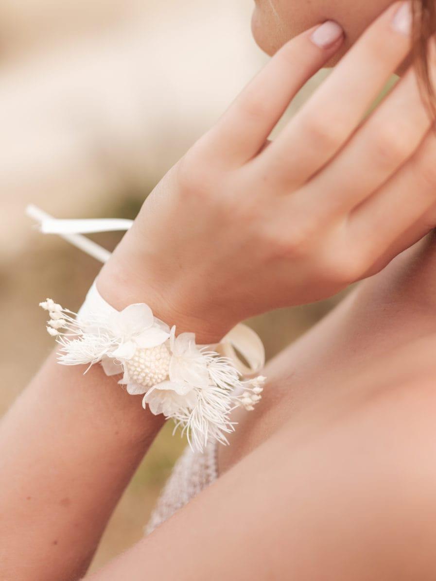 Bracelet en fleurs stabilisées Nimbe pour la demoiselle d'honneur