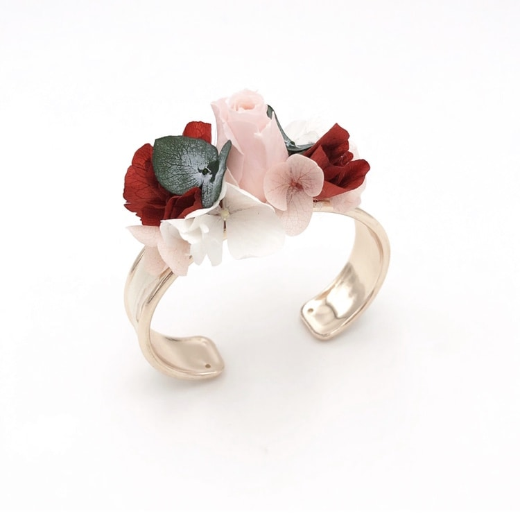 Bracelet jonc en fleurs stabilisées Arabesque pour la demoiselle d'honneur